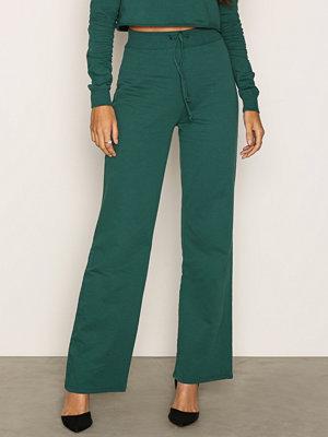 NLY Trend mörkgröna byxor Highwaist Wide Joggers Mörk Grön