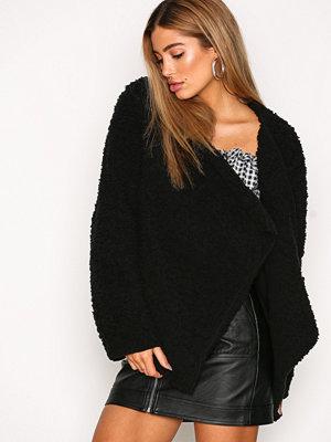 NLY Trend Teddy Soft Jacket Svart