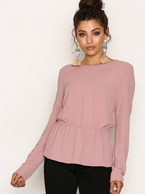 NLY Trend V-Back Blouse Ljus Rosa