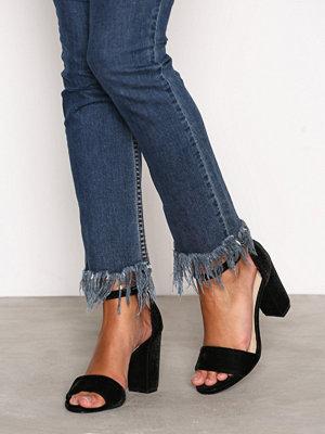 Pumps & klackskor - NLY Shoes Block Heel Sandal Black Velvet