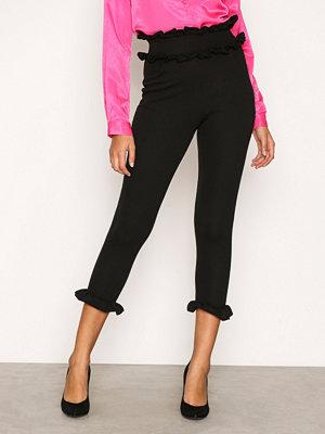Byxor - NLY Trend Jersey Frill Pants Svart