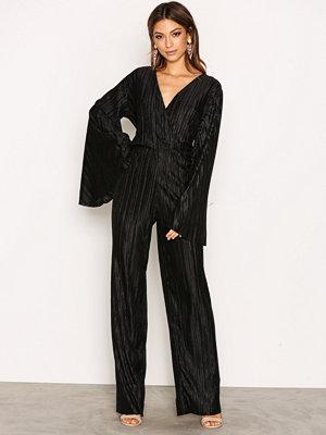 Jumpsuits & playsuits - NLY Trend Pleated Kimono Jumpsuit Svart