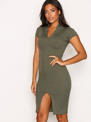 Festklänningar - NLY One Deep Plunge Rib Dress Khaki