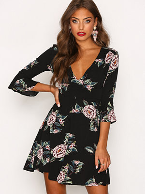 Ax Paris Frill Detail Sleeve Skater Dress Black Print