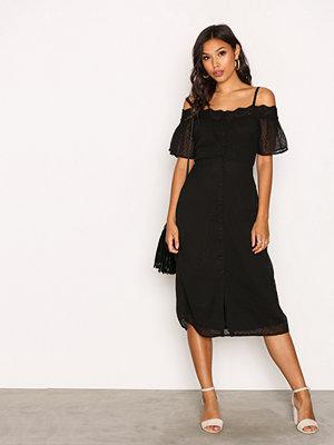 New Look Cold Shoulder Croch Body Dress Black