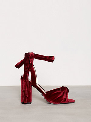 NLY Shoes Velvet Lace Heel Sandal Röd