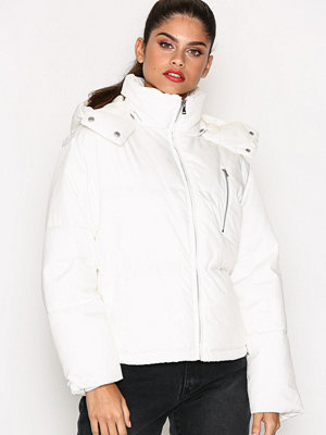 NLY Trend Puffer It Jacket Vit