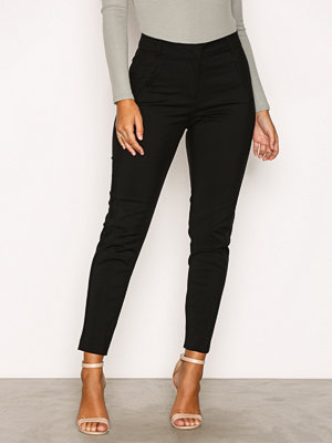 Vero Moda svarta byxor Vmvictoria Nw Antifit Ankle Pants N Svart