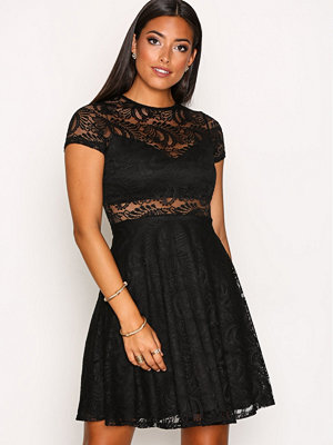 NLY One Lace Skater Dress Svart