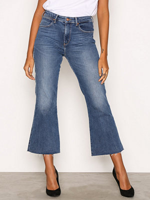 Wrangler Cropped Flare Dancing Days Denim