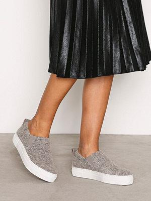 Sneakers & streetskor - Filippa K Brooke Wooly Slip On Grå
