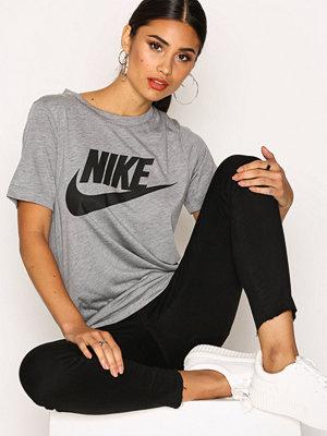Nike NSW Essentl Tee HBR Carbon