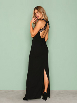 NLY Eve Maxi Crepe Gown Svart