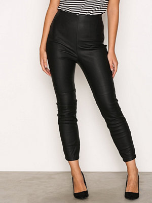 River Island svarta byxor Super Skinny Trousers Black