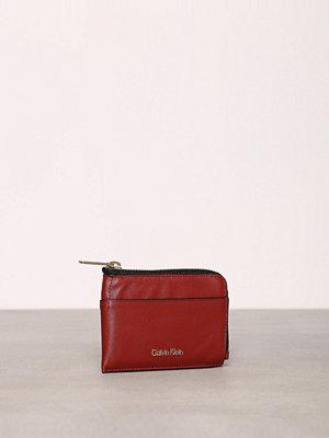 Calvin Klein Sarah Pouch Card Holder Henna