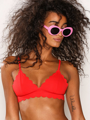 Missguided Scallop Bikini Top Red