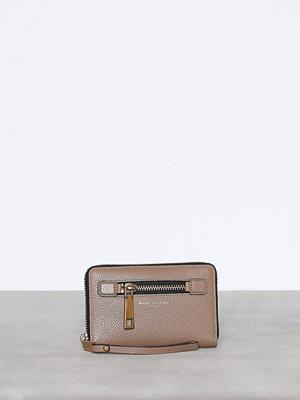 Plånböcker - Marc Jacobs Zip Phone Wristlet Grå