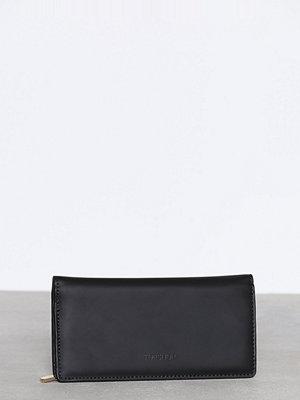 Plånböcker - Topshop PAX Flap Shot Purse Black