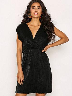 Sisters Point Engel Dress Black