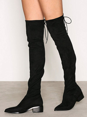 NLY Shoes Pointy Flat Thigh High Boot Svart