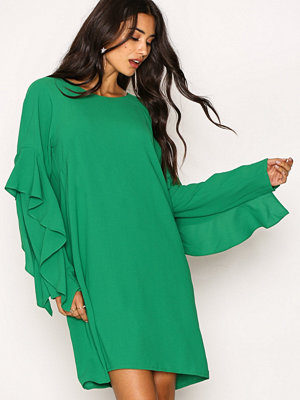 NLY Trend Ruffle Sleeve Dress Grön