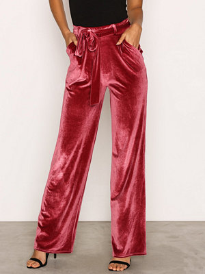 NLY Trend rosa byxor Wide Dressed Velvet Pants Fuchsia