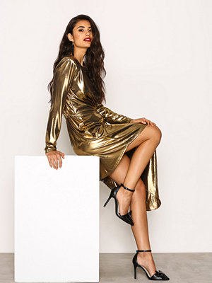NLY Trend Golden Asymetric Dress Guld