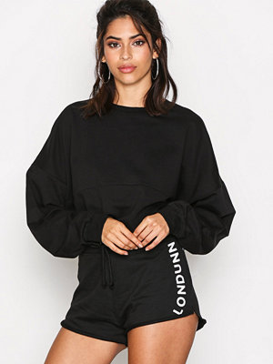 Shorts & kortbyxor - Missguided Tie Waist Runner Shorts Black