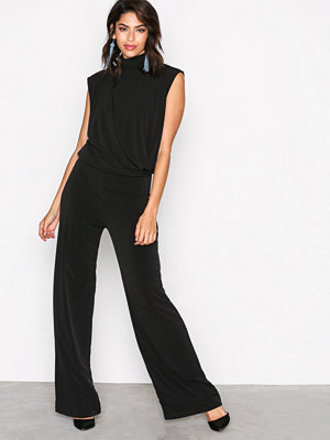 NLY Trend Covered Sleeveless Jumpsuit Svart