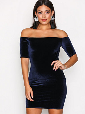 NLY One Short Sleeve Velvet Dress Navy