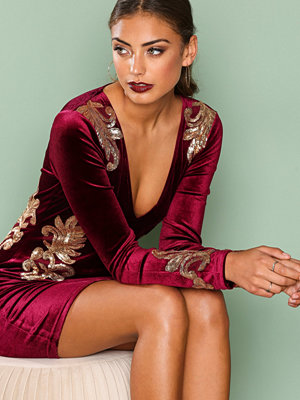 NLY One Decore Velvet Dress Burgundy