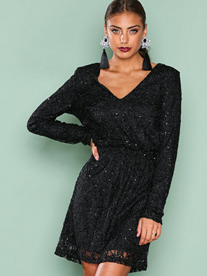 NLY Trend Sparkly V Neck Dress Svart