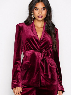 NLY Trend Have It All Velvet Blazer Burgundy