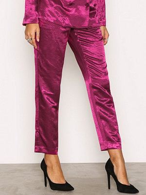 NLY Trend rosa byxor Dress You Up Pants Fuchsia