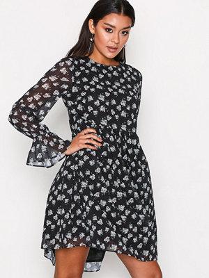 Glamorous Blossom Sleeve Dress Black