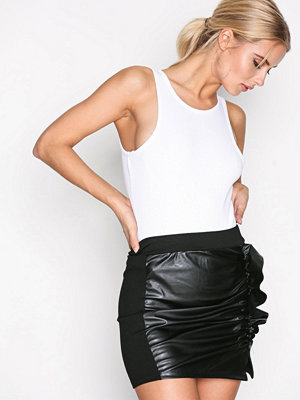 Missguided Faux Leather Ruffle Skirt Black