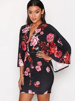NLY One Kimono Print Dress Svart