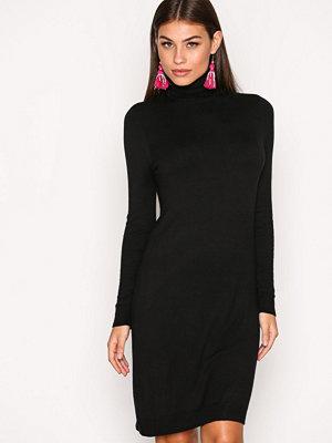 Only onlAIDA L/S Rollneck Dress Knt Svart
