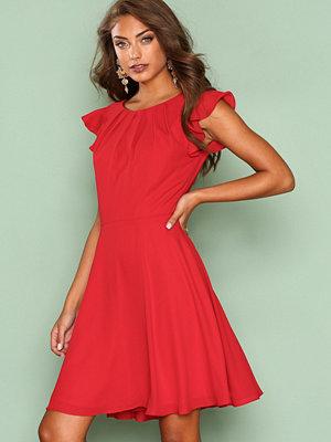 NLY One Wild Love Dress Röd