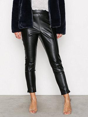 New Look svarta byxor PU Slim Leg Trousers Black