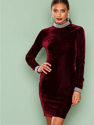 NLY One Beaded Velvet Dress Burgundy