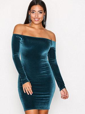 NLY One Off Shoulder Velvet Dress Teal