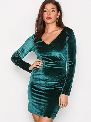 NLY Trend Flirty Velvet Dress Mörk Grön