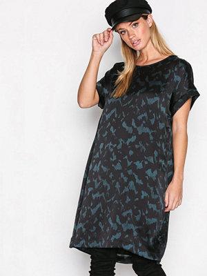 Selected Femme Sfzenia Ss Dress Mörk Blå