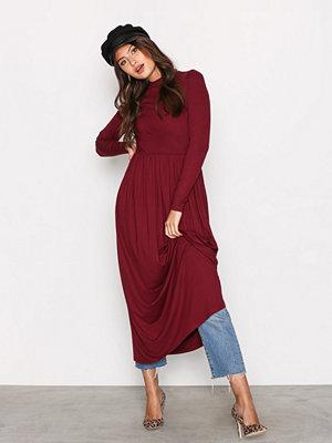 NLY Trend Gathered Turtleneck Dress Burgundy