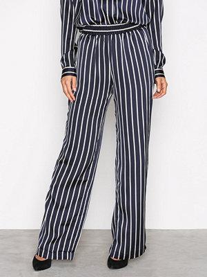 Neo Noir marinblå randiga byxor Lina Stripe Pants Navy