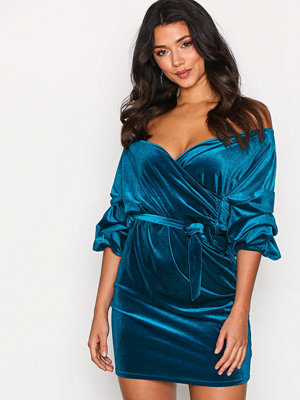 NLY One Puff Sleeve Velvet Dress Teal