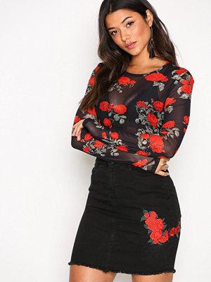 Noisy May Nmbe Lexi Hw Rose Emb Short Skirt 8 Svart