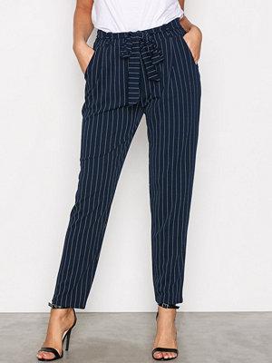 NLY Trend marinblå randiga byxor Printed Tie Pants Stripes