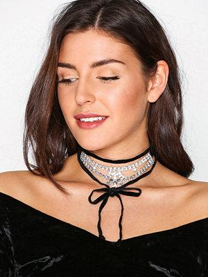 NLY Accessories halsband Bling Flower Choker Svart/Silver